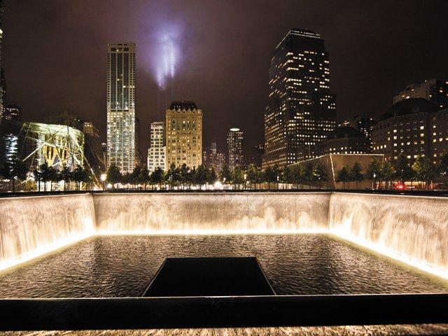 Datebook_WTCMemorial-courtesyHandelArchitects_rp0116.jpg