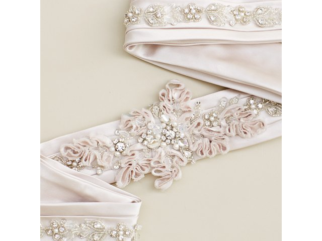 accessories_allure_bridals_SARAH_WALOR_bp1215.jpg
