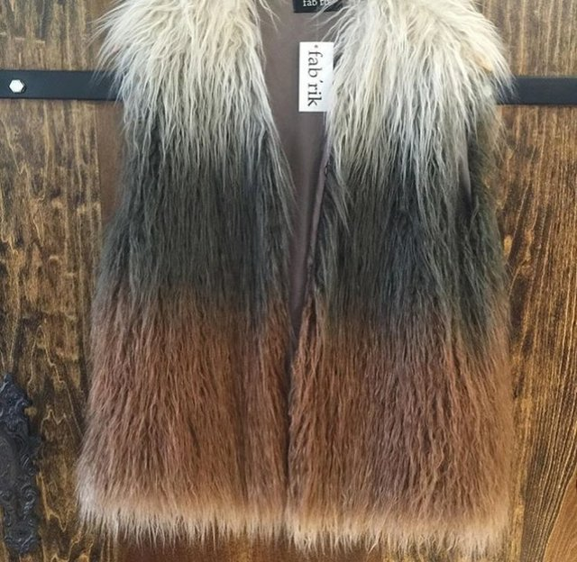 faux fur vest Fab'rik.jpg