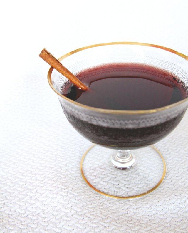 Stephanie Breijo Richmond Magazine Rogue Gentlemen Winter Cocktail 003.jpg