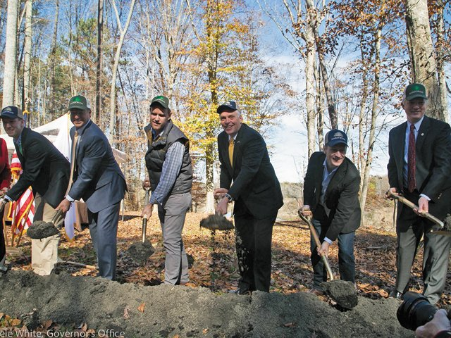 business_econdev_HardywoodGroundbreaking_rp0216.jpg