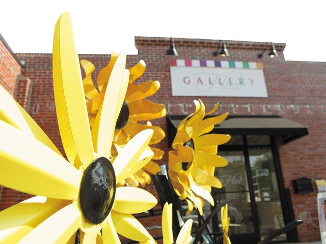 diversions_galleries_flux_storefront_JP_rp0216.jpg