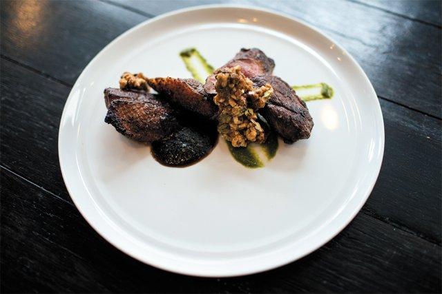 Dining_Review_Vagabond_duck_breast_CHET_STRANGE_rp0416.jpg