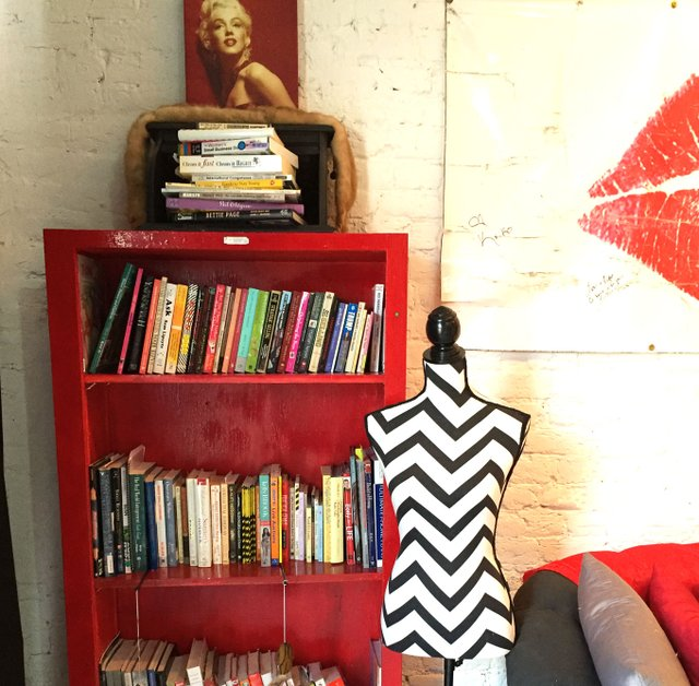 bookshelf-1RESIZEDCC.jpg