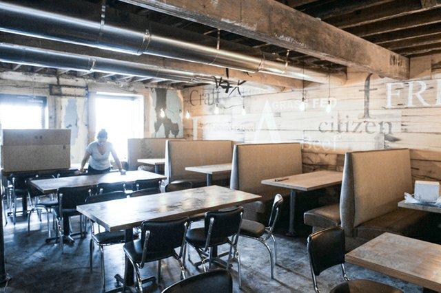 Richmond Magazine Citizen Burger Bar Stephanie Breijo 02.jpg