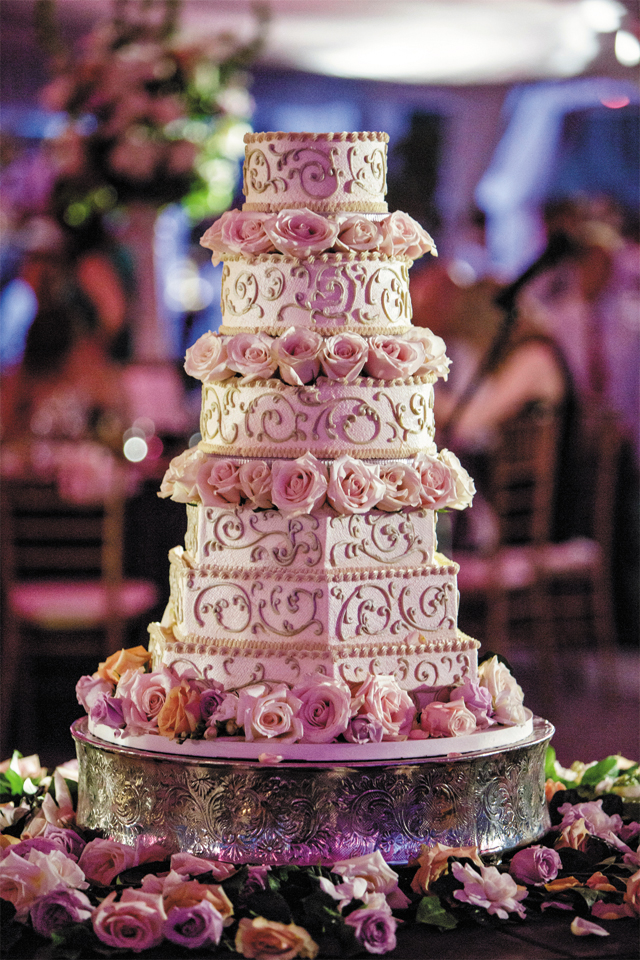 top 10 country wedding cake cutting songs cutting the cake richmondmagazine 21042
