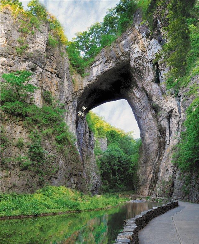 Excursions_NaturalBridge_LexingtonRockbridgeTourism_rp0516.jpg