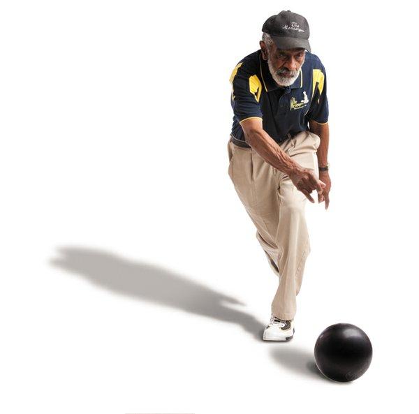 games_henry_bowling_6008_jay_paul_rp0616.jpg
