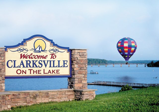 Living_Travel_Clarksville_Welcome_rp0716.jpg