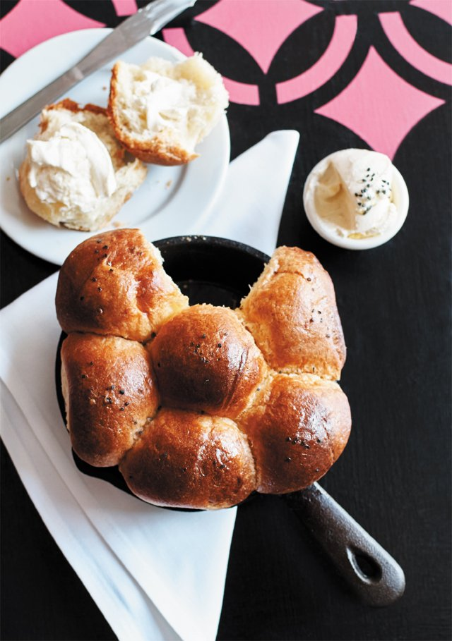 dining_review_kinsfolk_brioche_bread_ALEXIS_COURTNEY_rp0716.jpg