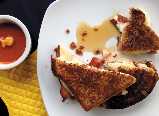 Home_Sweet_Home_upstate_grilled_cheese_SARAH_MIDKIFF_rp0716.jpg