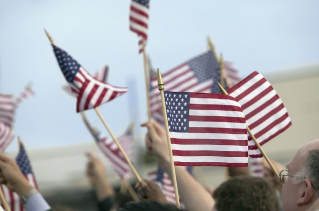 AmericanFlags_ThinkStock.jpg