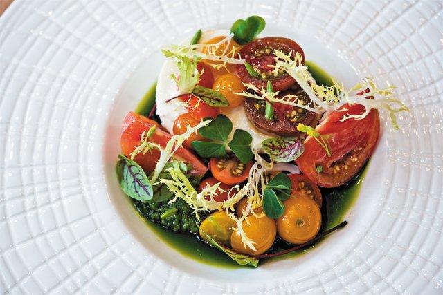 dining_review_lucca_enoteca_mozzarella_BETH_FURGURSON_rp0816.jpg
