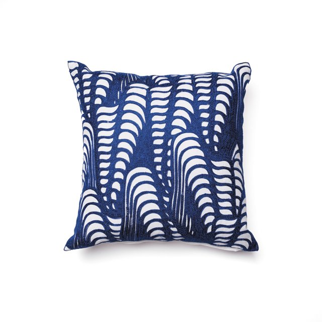 FOB_goods_Blue-&-White-Pillow_hp0716.jpg