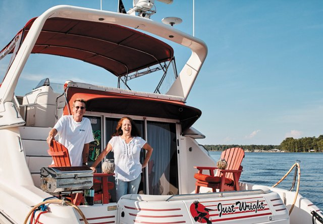Feature_BoatPeople_Wrights_Opener_AlexisCourtney_rp0816.jpg