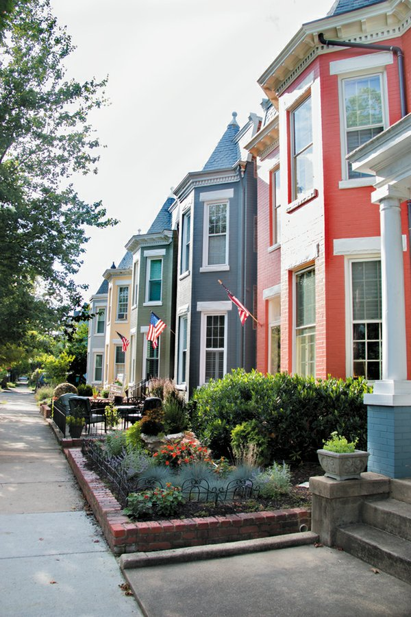 b&w_neighborhoods_fan_JULIANNETRIPP_rp0816.jpg