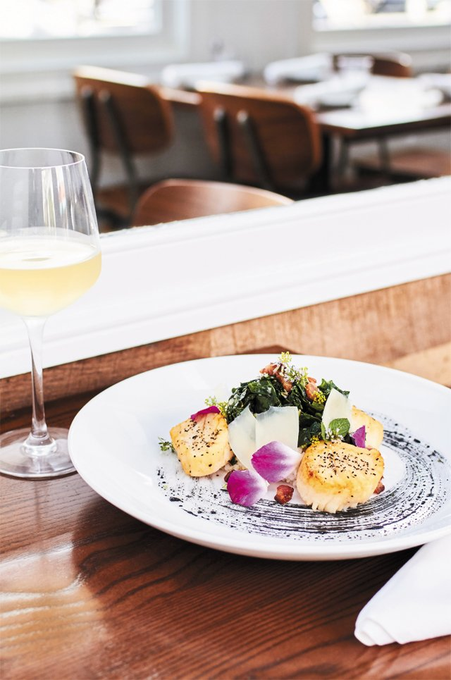 dining_east_coast_provisions_scallops_ALEXIS_COUTNEY_rp0916.jpg
