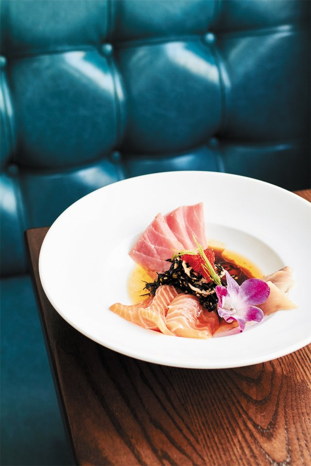 dining_east_coast_provisions_sashimi_ALEXIS_COUTNEY_rp0916.jpg