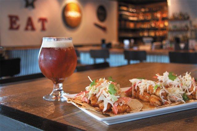 dining_union_table_interior_shrimp_tacos_7240_JULIANNE_TRIPP_rp0916.jpg