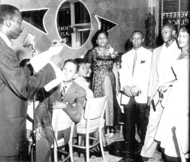 feature_jackson_ward_eggleston_Neveretts_Place_1950s_BLACK_HISTORY_MUSEUM_rp0916.jpg
