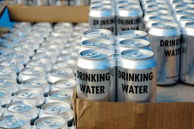 drinking-water_McIninchThinkstockPhotos-139975545.jpg