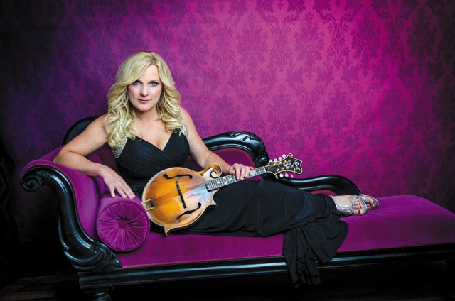 A&E_Datebook_Rhonda_Vincent_SHARP_-IMAGES_rp1116.jpg