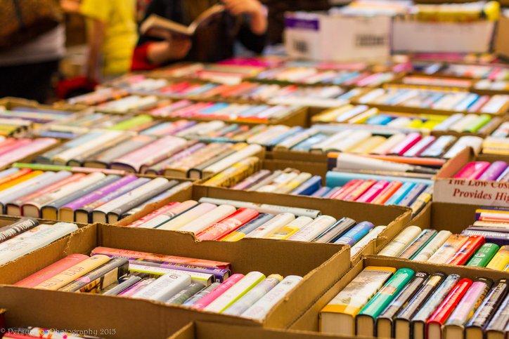 book-sale_Dave-Tel-ThinkstockPhotos-475452036.jpg