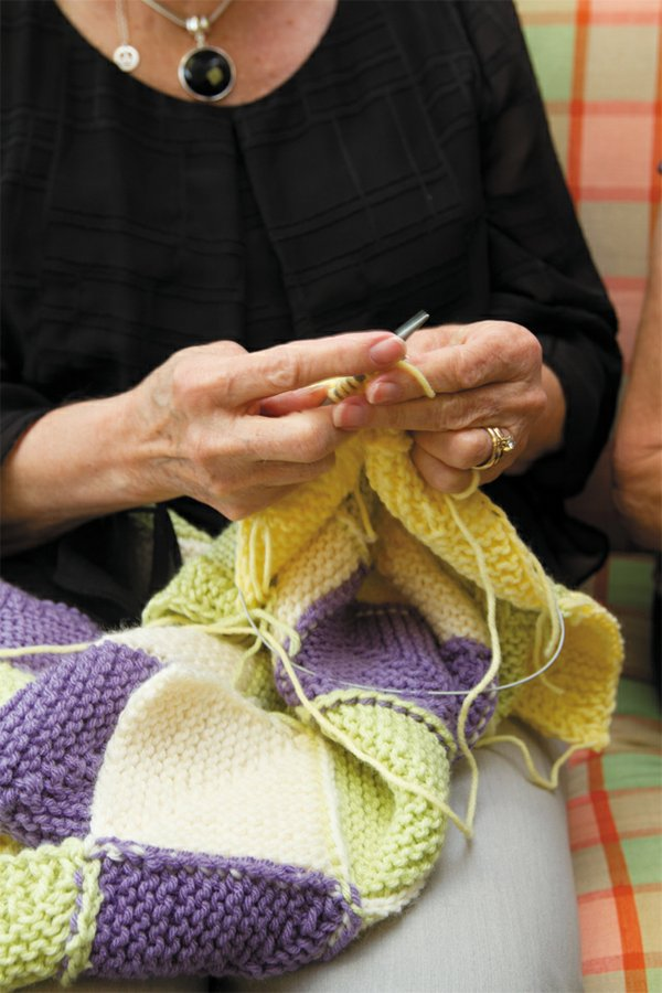 Go_West_Knitting_closeup_JAY_PAUL_rp1116.jpg