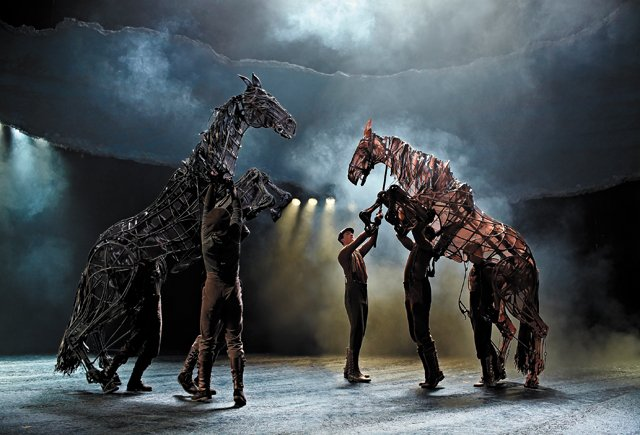 A&E_Datebook_War_Horse_West_End_cast_by_Brinkhoff&Mîgenburg_rp1216.jpg