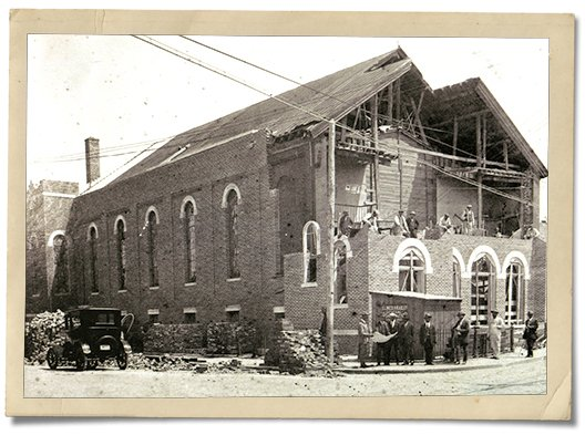 feature_jackson_ward_sixth_mount_zion_baptist_church_early_1920s_COURTESY_rp1216.jpg