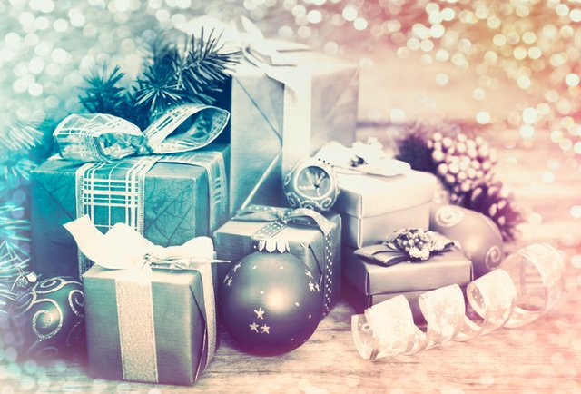 gift-boxes_ThinkstockPhotos-601921794.jpeg