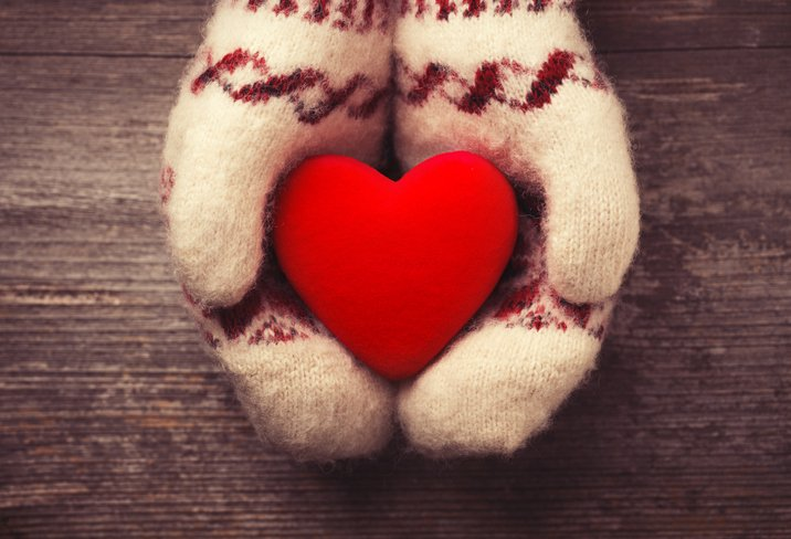 heart-mittens_Leks-Laputin-ThinkstockPhotos-534805675.jpeg