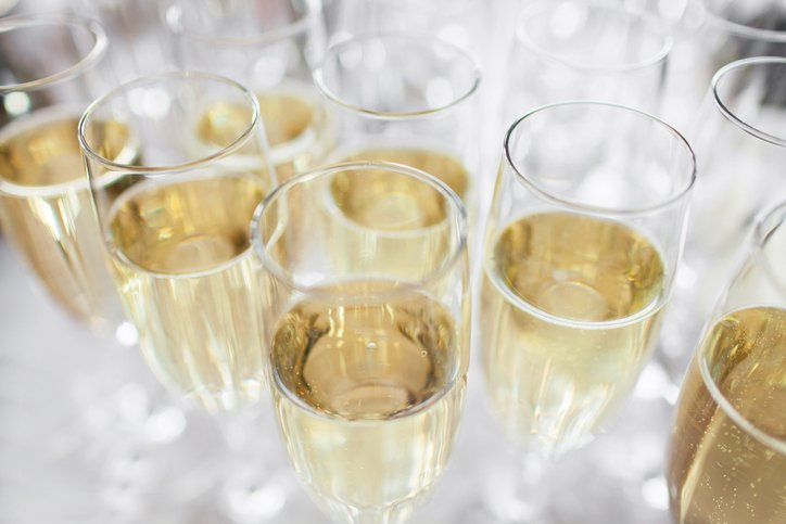 champagne_ThinkstockPhotos-476695456.jpeg