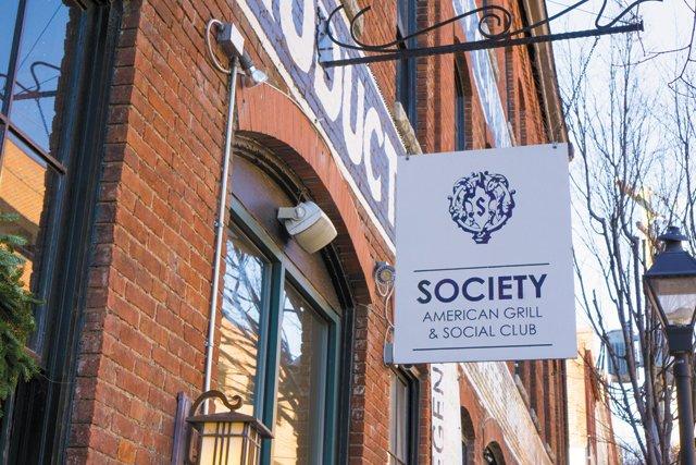 dining_shorts_SocietySocialClub_DAVID_ROBERTS_rp0117.jpg