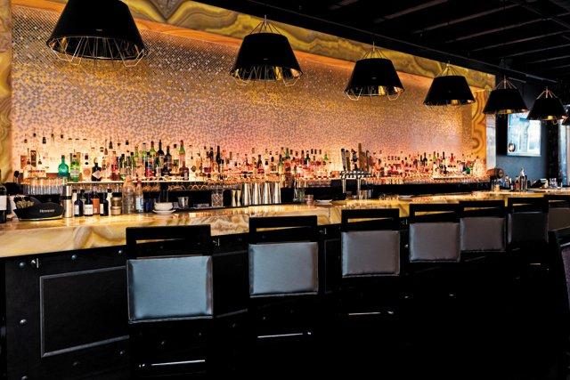 feature_restaurants_FURGPHOTO_161122_0135_BETH_FURGURSON_hp0117.jpg