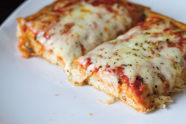 pizza_cappriccios_2_STEVE_HEDBERG_rp0117.jpg