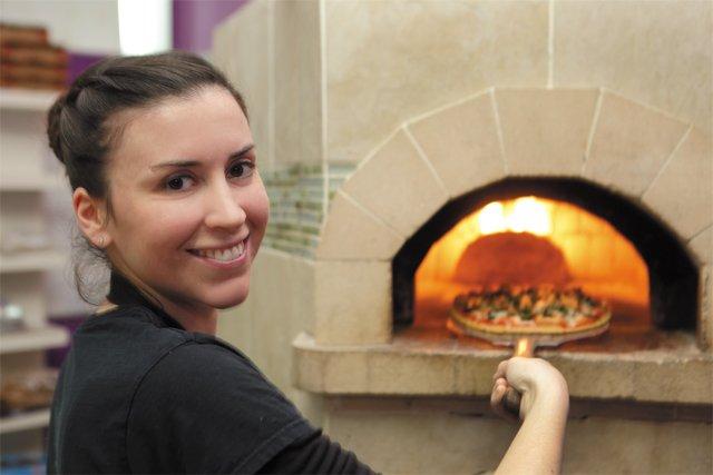 pizza_Jenna_Sneed_Fresca_JAY_PAUL_rp0117.jpg