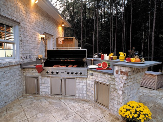Outdoor-Living_Outdoor-Kitchen_Courtesy-Lane-Homes-&-Remodeling_rp0217.jpg