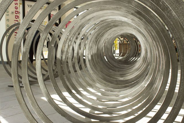 VHS_Slinky_Inside_Closeup_ADRIAN_WALKER_0217.jpg