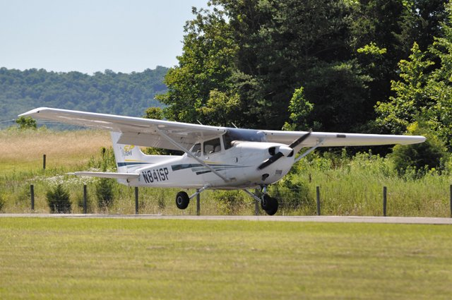 camps_Randolph_Macon_Academy_flight_camp_COURTESY_rp0317.jpg
