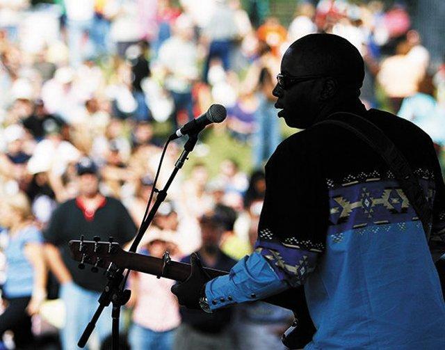 Welcome_Favorites_Richmond_Folk_Festival_ASH_DANIEL_rp0217.jpg