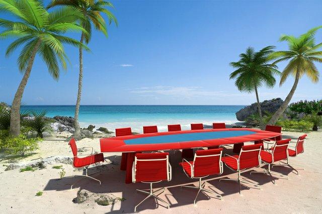 conference-table-beach_ThinkstockPhotos-92184763.jpeg
