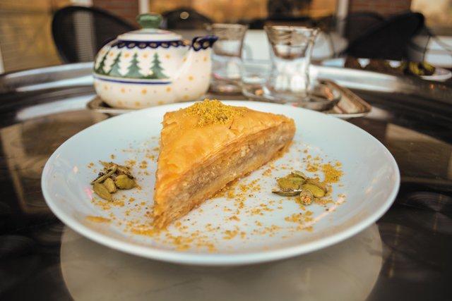 Dining_QuickTake_Baklava_Mesopotamia_MAGGIEPOPE_rp0417.jpg