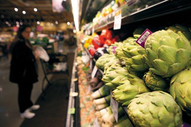 Dine_Store_Wars_Wegmans_JAY_PAUL_dp0417.jpg
