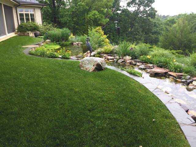 features_landscaping_IMG_6833_hp0517.jpg