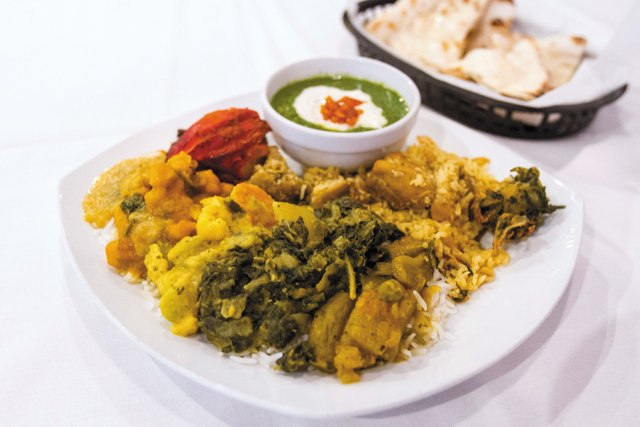 CheapEats_Taste-of-India_Lunch-Buffet_Stephanie-Breijo_rp0517.jpg