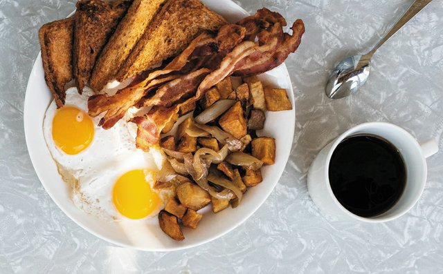 CheapEats_Breakfast-combo_BettyClicker.jpg