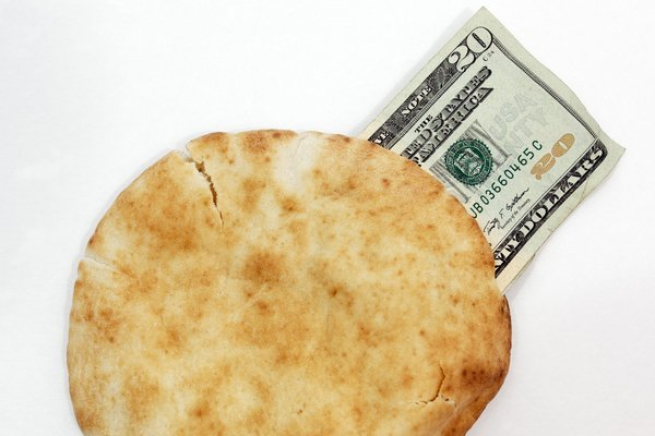 20-bucks-pita_ThinkstockPhotos-184347839_feature.jpg