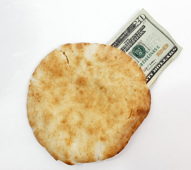 20-bucks-pita_ThinkstockPhotos-184347839.jpg