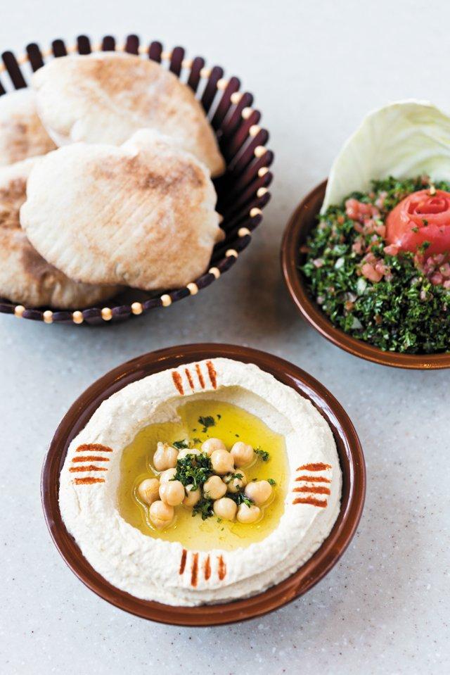 Dining_Review_Natalies_Hummus_FURGPHOTO_rp0617.jpg